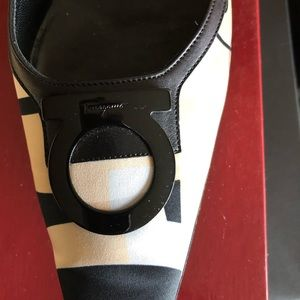Salvatore Ferragamo Flat Loafers
